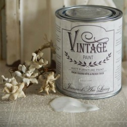 Vintage Paint. Cream Antique
